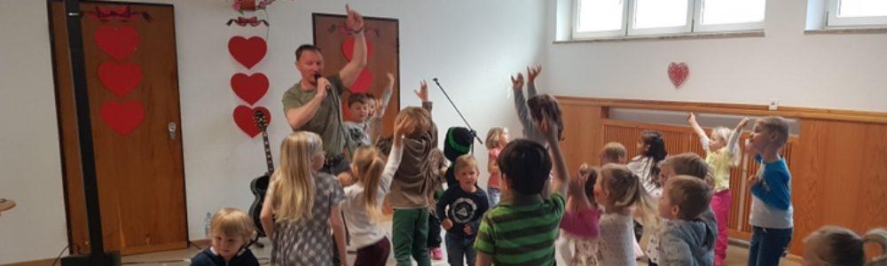Kinderlieder die KIDS glücklich machen und die Ohren der Eltern nicht nerven!